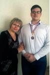 Рожнов Владимир занял 3-е место в Русском жиме, подняв штангу весом в 55 кг. 60 раз